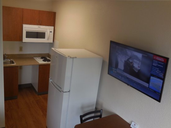 Spokane Valley, วอชิงตัน: Kitchmate, full-size Refrigerator, Large size microwave, 40`` TV
