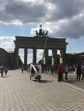 Brandenburg Gate: photo2.jpg