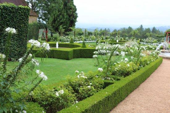 Salignac-Eyvigues, Франция: Le jardin blanc
