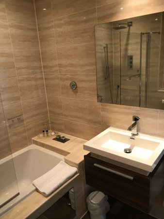 Pontlands Park: Luxury Bathroom