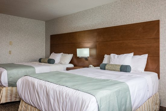 Shilo Inn & Suites - Yuma: Newly remodeled rooms with mini fridge, microwave and more!