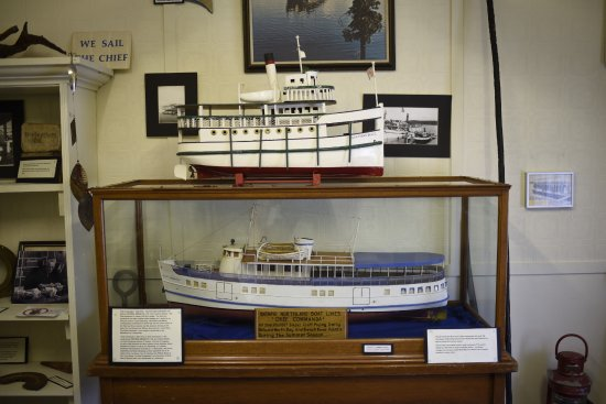 Callander, Canadá: Visit our Lake Nipissing shipping exhibit!