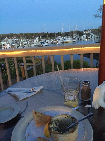 Harwich, MA: Harbor View - Brax Landing