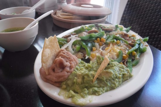 Caminero Tacos Cancún : veg taco dish. Beans and guac was good, veg was average. Did not taste authentic!