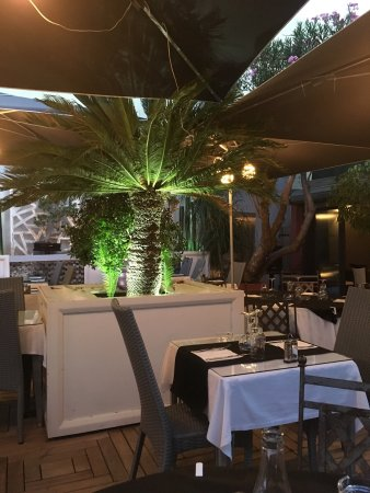 Le jardin du cap antibes restaurant reviews phone for Restaurant antibes le jardin