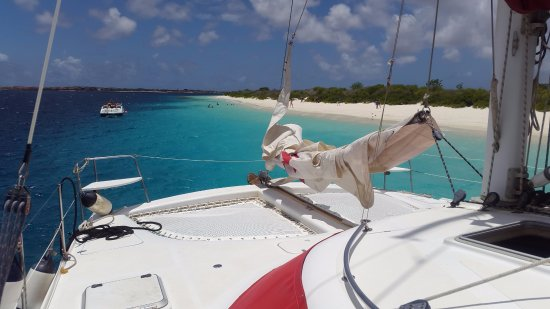 Kralendijk, Bonaire: Relaxing time on the Catamaran Mushi Mushi at Klein Bonaire - No Name Beach