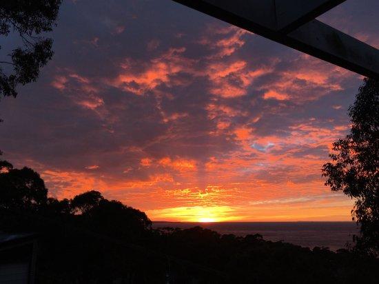 Lorne, Australia: The sunrise was surreal!