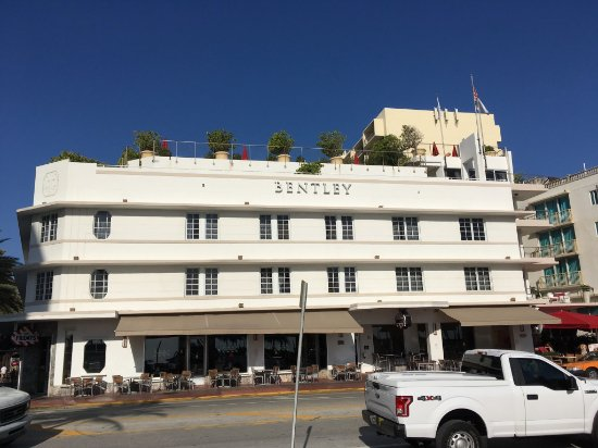Bentley Hotel South Beach : Hotel Front