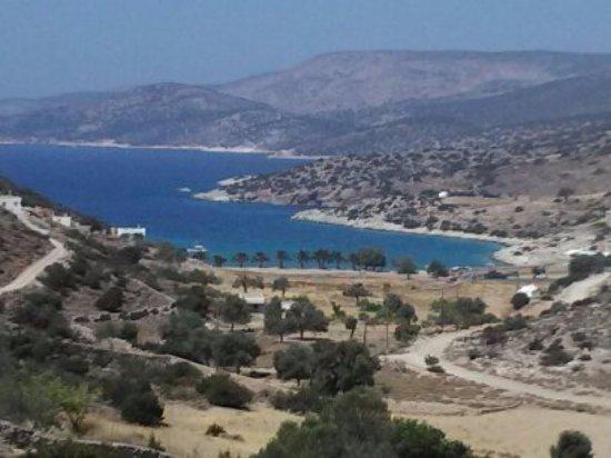 Panormos Beach: Spiaggia vista dall'alto