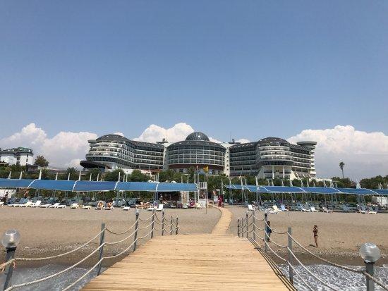 Sea Planet Resort & Spa : hôtel vue du ponton de la plage