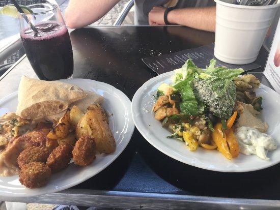 Riz Raz: Cold Buffet and Hot Buffet plus Blueberry Juice