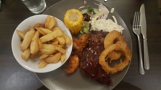 ‪‪Lurgan‬, UK: Chicken, rib combo with salad, chips, corn on the cob and onion rings!‬