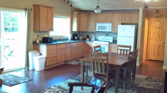 Saint Germain, WI: Cabin # 10 kitchen , large great room area