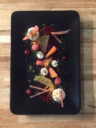 Ballyclare, UK: Goats Cheese Mousse & Beetroot Starter