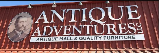 Ventura, Kaliforniya: Front of Antique Adventures!