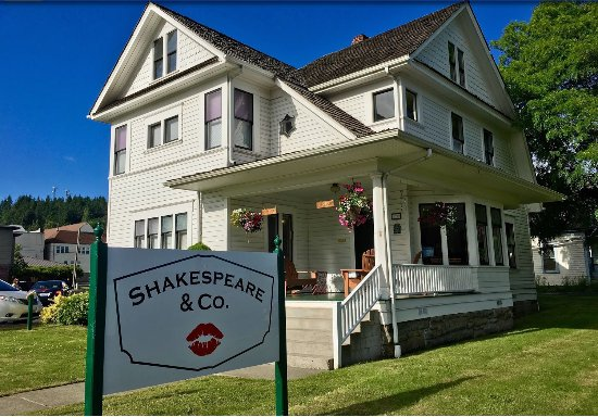 Chehalis, WA: The lovely exterior of Shakespeare & Company: Coffee and Used Books