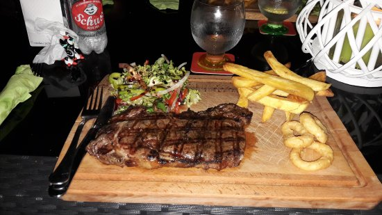 Estrella del Mar, España: Exquisite food and High class service. The Chef Simon catered for my children's fussy tastes and