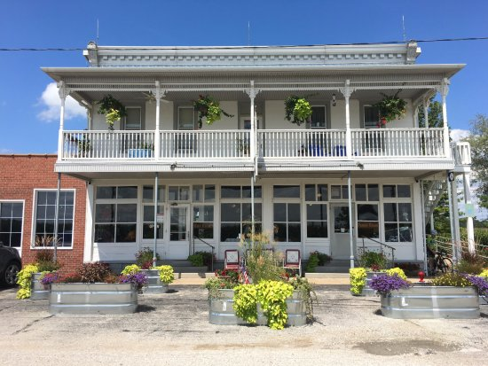 Haubstadt, IN: Quaint inside and out
