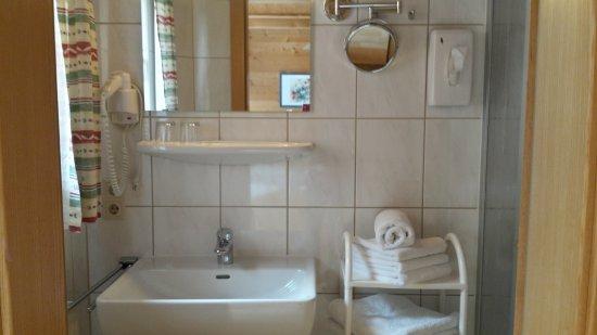 Ortnerhof: Familien-Apartment/ Badezimmer Beispiel