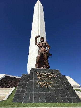 Windhoek, Namibia: Standbeeld Onbekende Soldaat