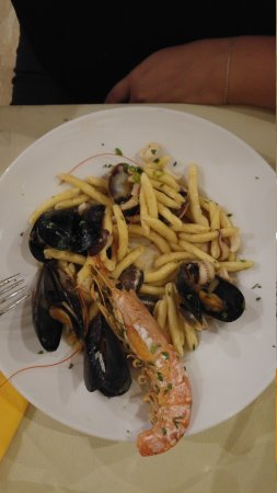 San Donnino, Italien: 20170817_214811_large.jpg