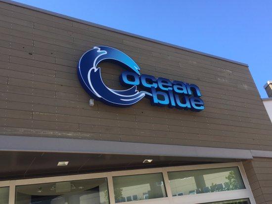 Sterling, VA: Ocean Blue signage.