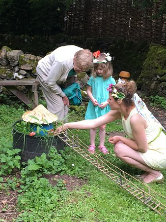 Jedburgh, UK: Visiting Mr Toad's house with the Fairy Queen.