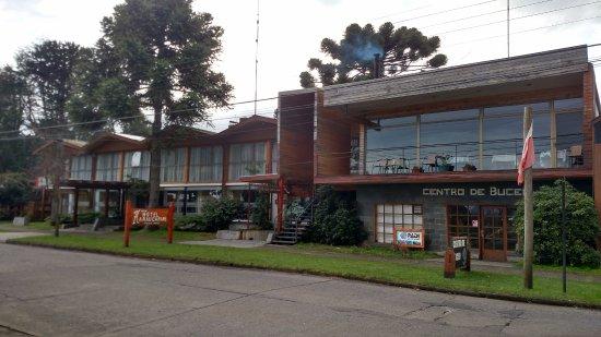 Hotel & Spa Araucarias: Vista de frente do Hotel.