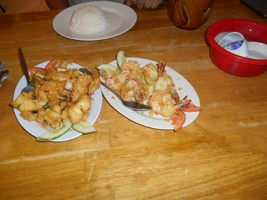Kijal, Malasia: Grilled Garlic Prawns & Calamari with Egg