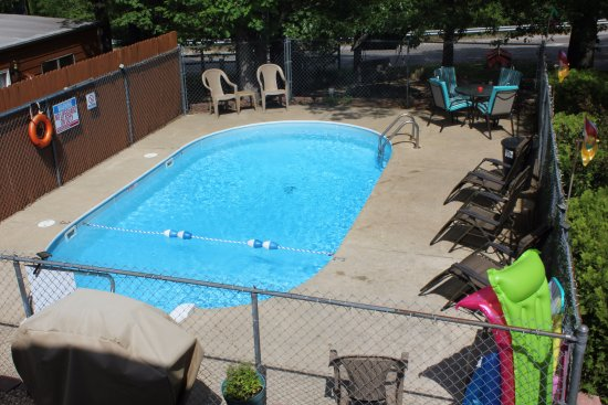 Branson West, MO: View of Pool from 2nd Floor Units