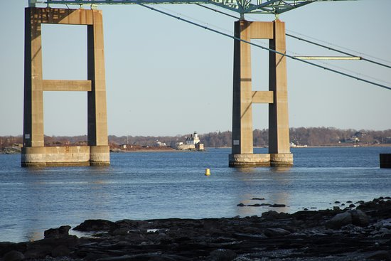 Jamestown, RI: Claiborne Pell Newport Bridge