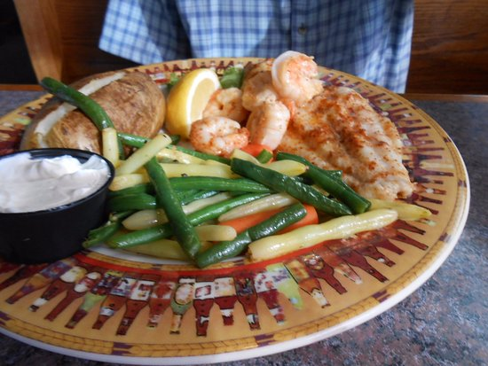 White Stone, VA: Broiled Fish with Shrimp