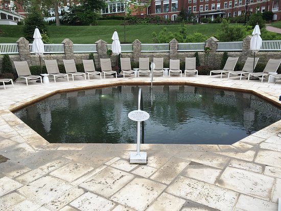 Hot Springs, VA: Homestead Resort: Geothermal Octagon Pool.