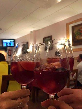 Restaurante O Manjar : Melhor sangria da vida!