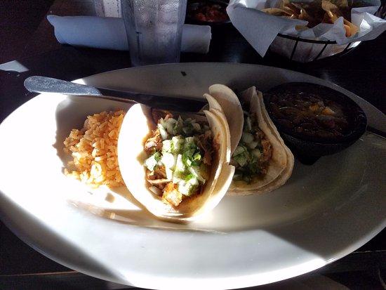 Agoura Hills, Καλιφόρνια: Machaca tacos