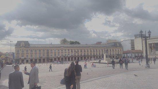 Plaza de Bolivar: IMG_20170816_162027_large.jpg