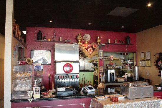 Vacaville, Californië: The front with their free dishes with meal