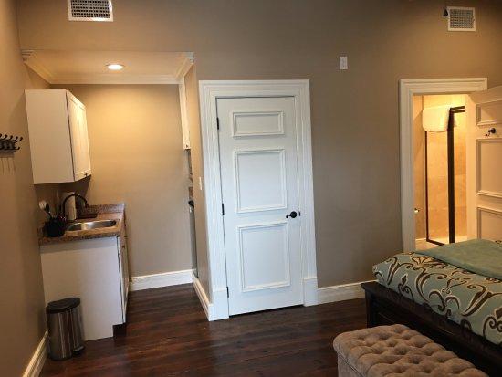 Jefferson, TX: Room #1Efficiency