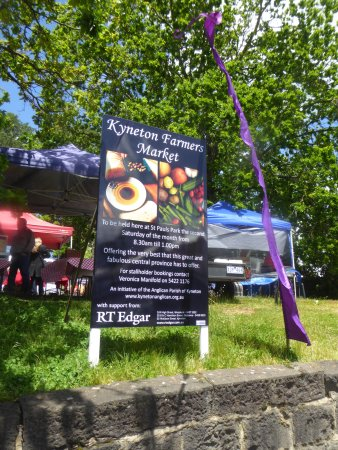 Sign for Kyneton Farmer's Market