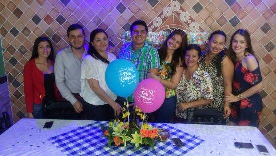 Restaurante Julian Parrilla Express: Momentos en familia en el mejor restaurante de comida típica santandereana