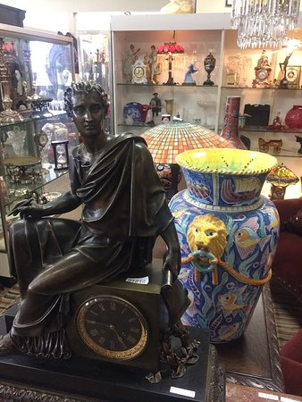 Pittsfield, MA: Clocks and more...