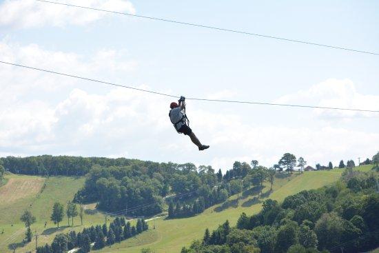 Champion, PA: Fun on the zip line ( The Screaming Hawk Course)