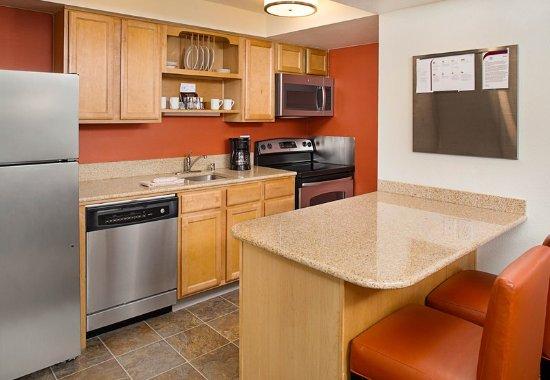Tukwila, WA: Suite Kitchen