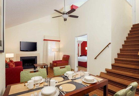 Smyrna, GA: Penthouse Suite