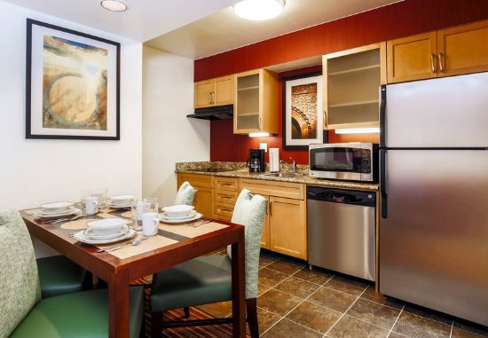 Smyrna, GA: Studio Suite - Kitchen