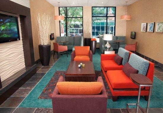 Redmond, WA: Lobby Area