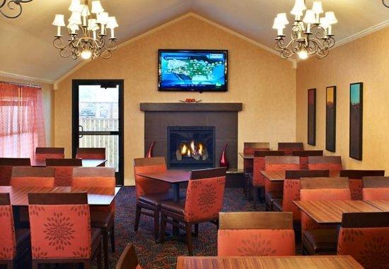 Chesterfield, Missouri: Lobby