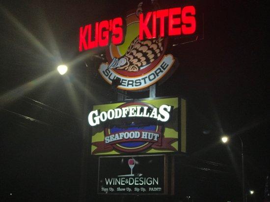 Goodfellas Seafood Hut: photo1.jpg