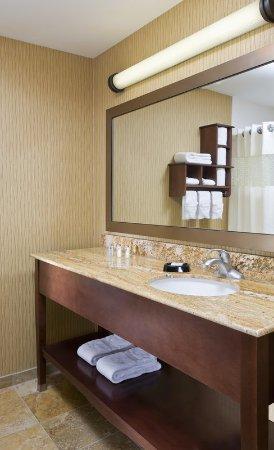 Poland, OH: Standard Bathroom
