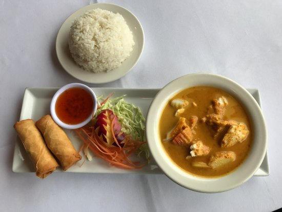 Thai Chaiyo: Lunch Special Yellow Curry